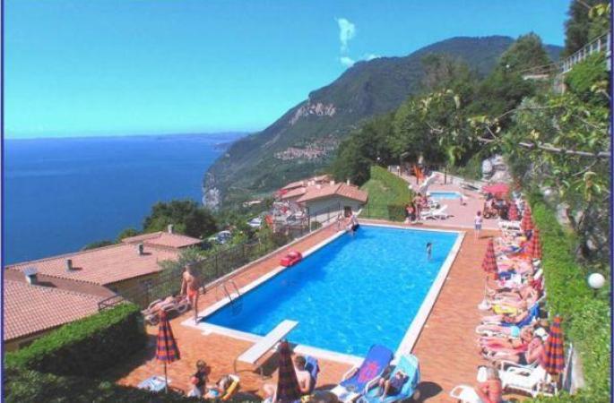 Hote La Rotonda (Hotel)