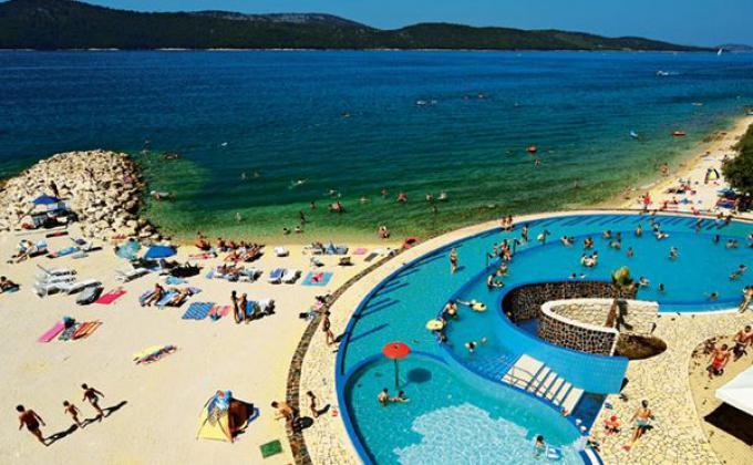Mobile Homes Camping Beach Resort Solaris