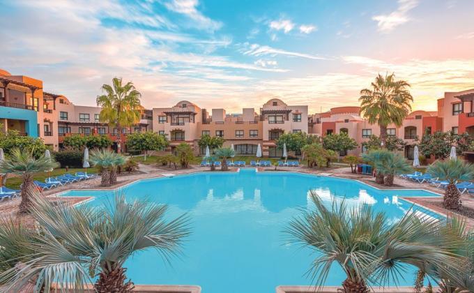 SUNRISE Marina Resort