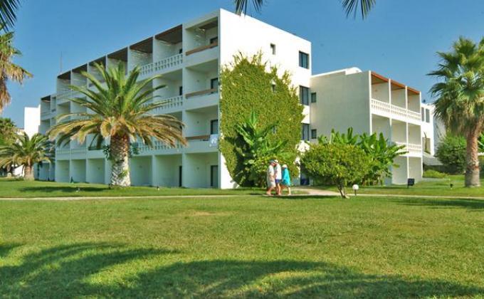 Hotel Lakitira Resort