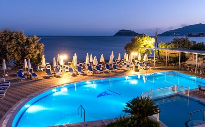 Hotel Mediterranean Beach Resort & Spa - logies en ontbijt