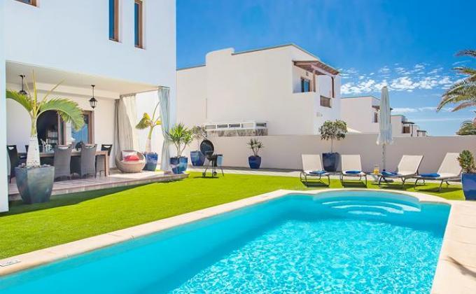 Villa Las Caletas Village