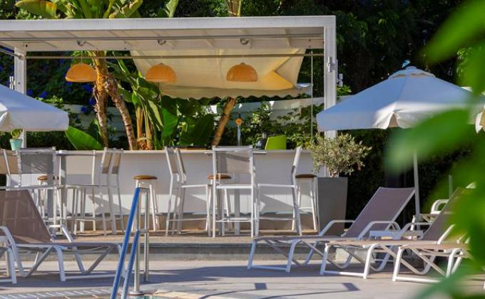 Anemi Hotel & Suites - zomer