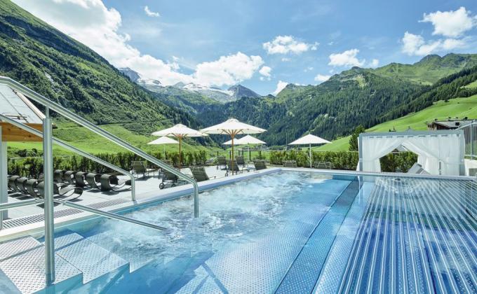 Hotel Berghof Crystal Spa & Sport