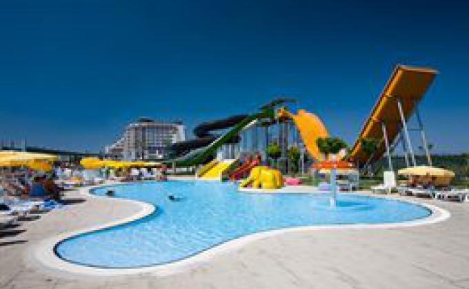 Hotel Saturn Palace Resort