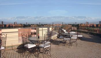 Dellarosa Hotel & Suites