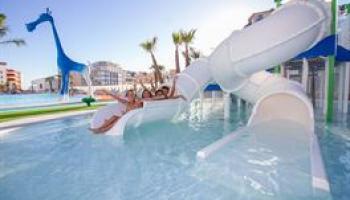 Suitopia Sol y Mar Suites Hotel - logies en ontbijt
