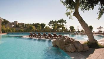 Hotel Rhodes Bay (voorheen Amathus Beach)
