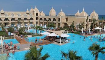Hotel Titanic Royal Resort