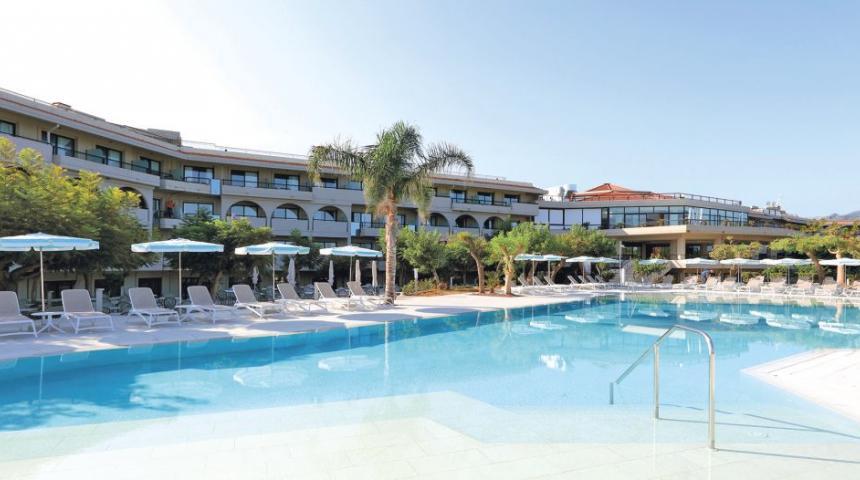 Grand Palladium Garden Beach Resort & Spa