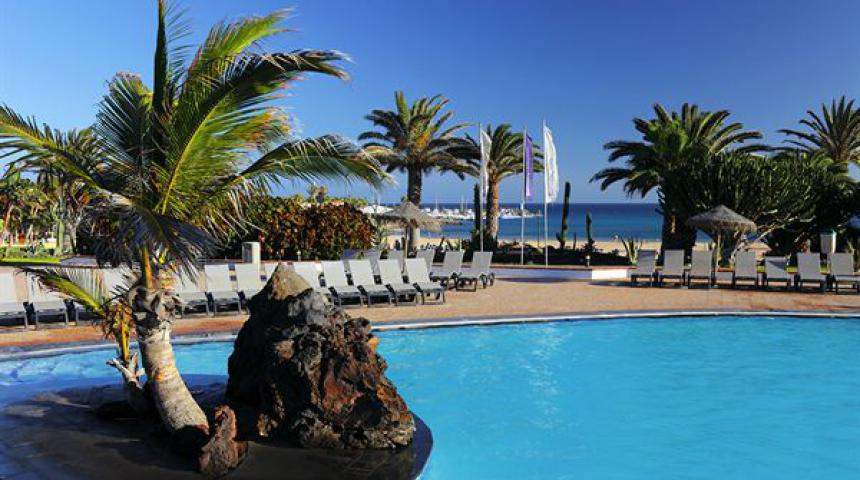 Bungalows Barceló El Castillo Beach Resort