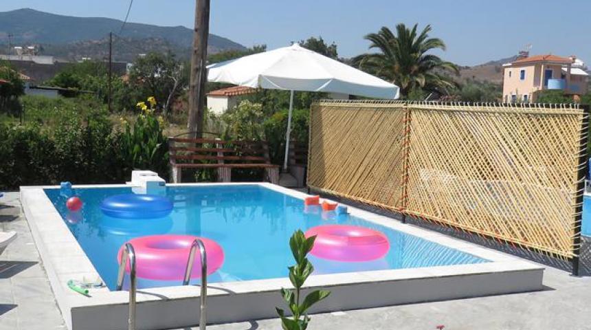 Nostalgia Luxury Apartments met privézwembad
